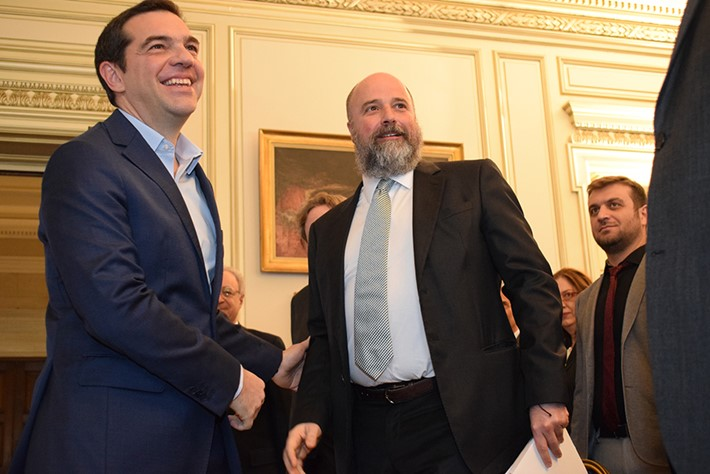 (left) Alexis Tsipras, Greek Prime Minister, (right) Andreas Dracopoulos, SNF Co-President -Source: Marilena Katsini