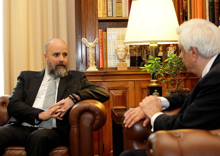 (left) Andreas Dracopoulos, SNF Co-President,  (right) Prokopios Pavlopoulos, President of the Hellenic Republic  - Source: Panagiotis Stolis