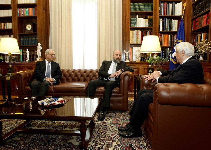 (left) Vassilis Kaskarelis, Senior Advisor SNF  (center) Andreas C. Dracopoulos, Co-President of the Stavros Niarchos Foundation (right) Prokopios Pavlopoulos, President of the Hellenic Republic - Source: Panagiotis Stolis