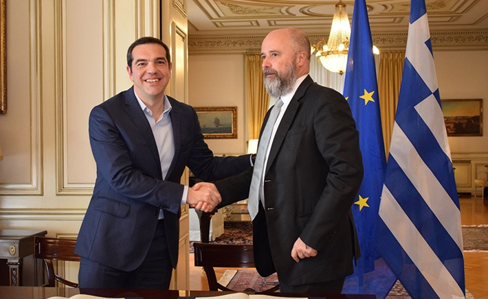 (left) Alexis Tsipras, Greek Prime Minister, (right) Andreas Dracopoulos, SNF Co-President - Source: Marilena Katsini