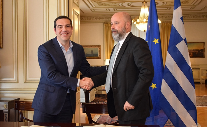 (left) Alexis Tsipras, former Greek Prime Minister, (right) Andreas Dracopoulos, SNF Co-President - Source: Marilena Katsini