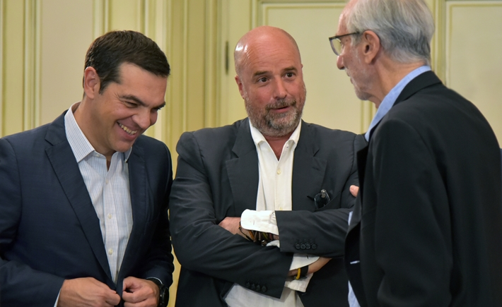 (From left to right) Alexis Tsipras, Prime Minister of Greece,   Andreas C. Dracopoulos, Co-President, SNF, Renzo Piano, architect  / Source: Marilena Katsini