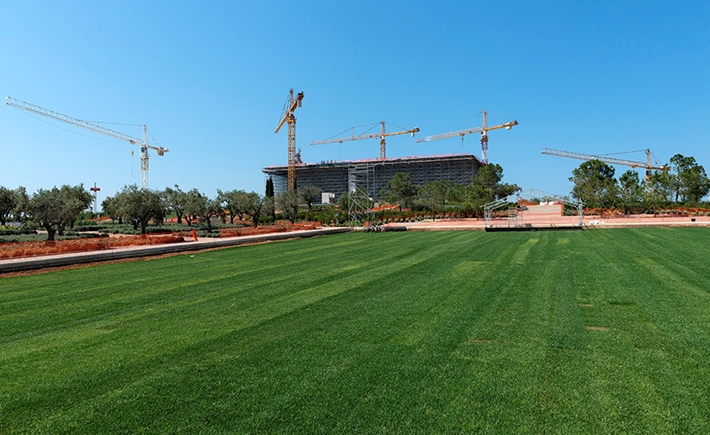 "Preparation of the Stavros Niarchos Park for the 4 -day events "" Light Up the Night at the Stavros Niarchos Park"" June 14 & 15, 2015. Source: Yiorgis Yerolymbos"
